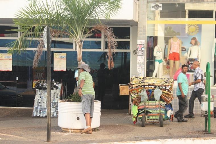 Vendedores cadastrados possuem autorização para exercerem as atividades