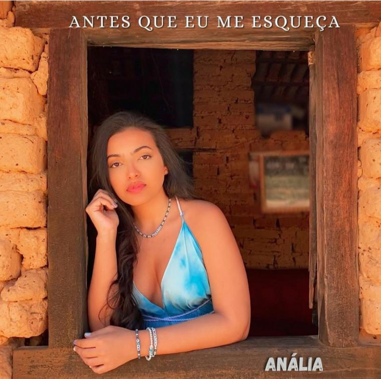 O Single foi lançado no dia 02 de abril