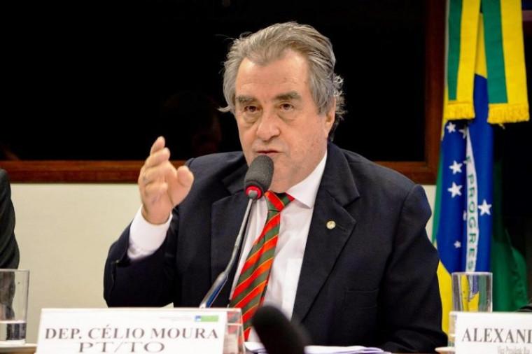 Deputado Célio Moura foi o único do Tocantins a votar contra