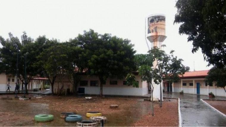 Escola em Couto Magalhães