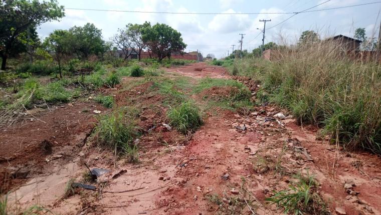 Moradores reclamam que setor está abandonado