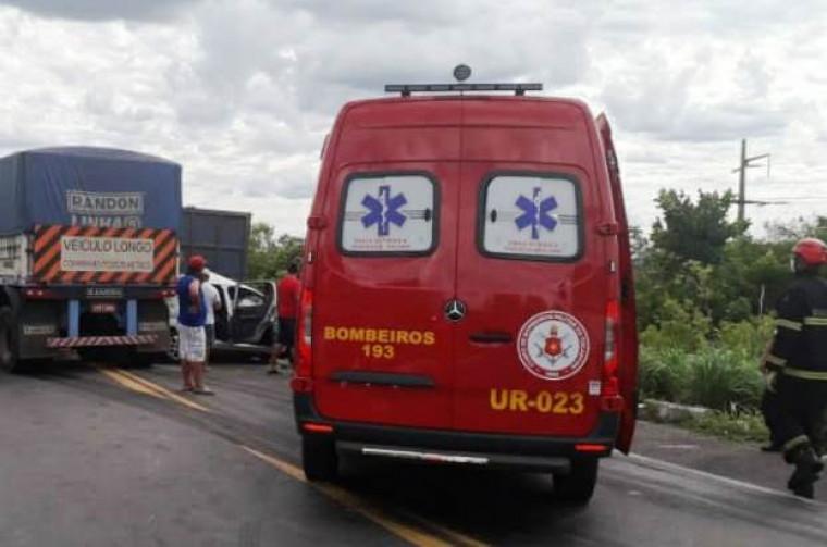 Corpo de Bombeiros esteve no local do acidente