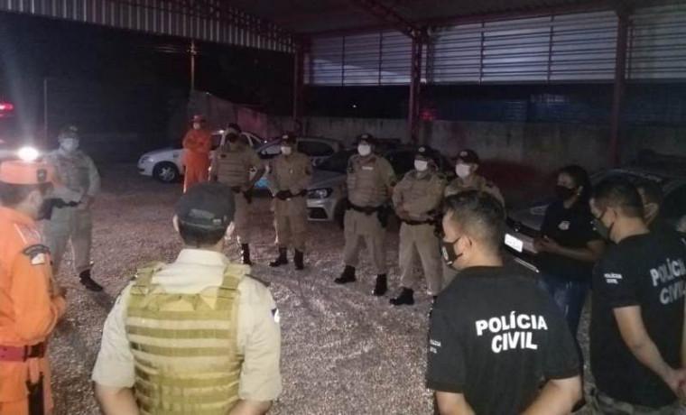 Forças de segurança em reunião