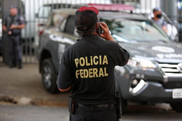 Cerca de 23 policiais federais participam da operação