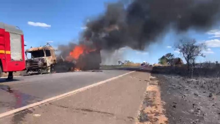 Caminhão em chamas