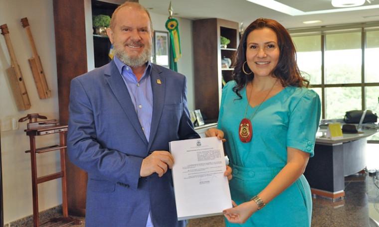 Governador Carlesse e delegada-geral Raimunda Bezerra