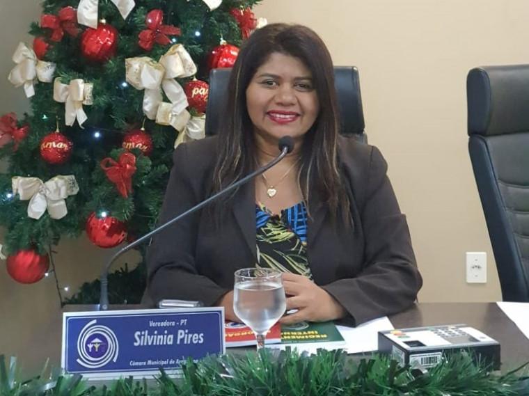 Vereadora Silvinia Pires prioriza a educação com suas emendas