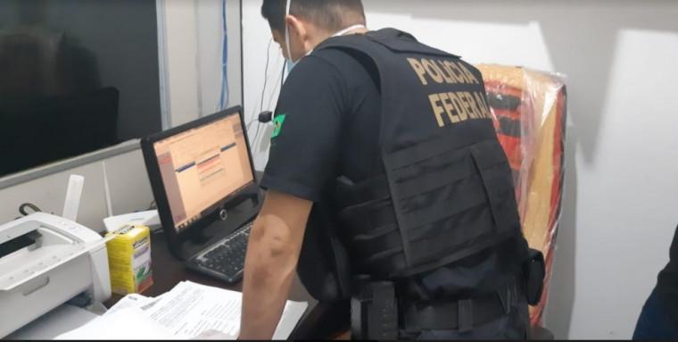 PF faz buscas em farmácias na região do Bico do Papagaio