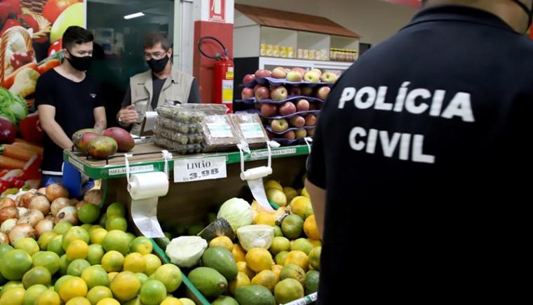 Equipes de Segurança do Governo notificam comércio em quadra de Palmas