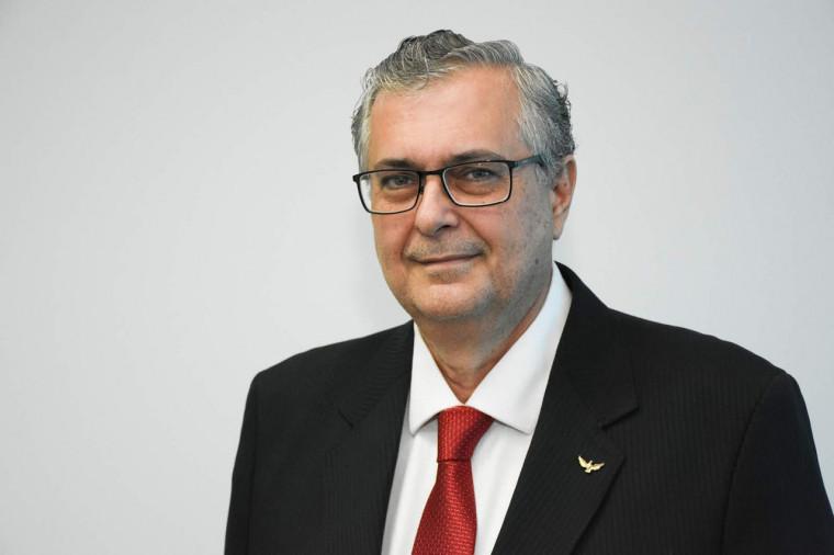 Ele foi empossado no cargo de promotor de Justiça em julho de 1990