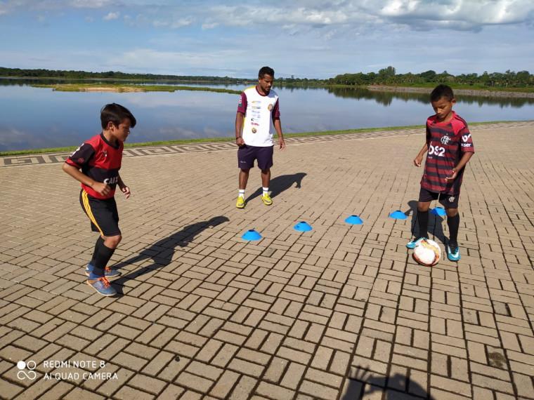 Os dois garotos passarão uma semana na sede do Flamengo