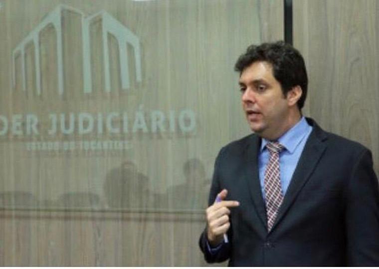 Juiz de Direito Antonio Dantas de Oliveira Junior.