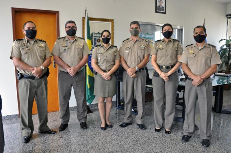 Coronel Jaizon e demais oficiais receberam capitã Louise no Quartel do Comando Geral em Palmas.