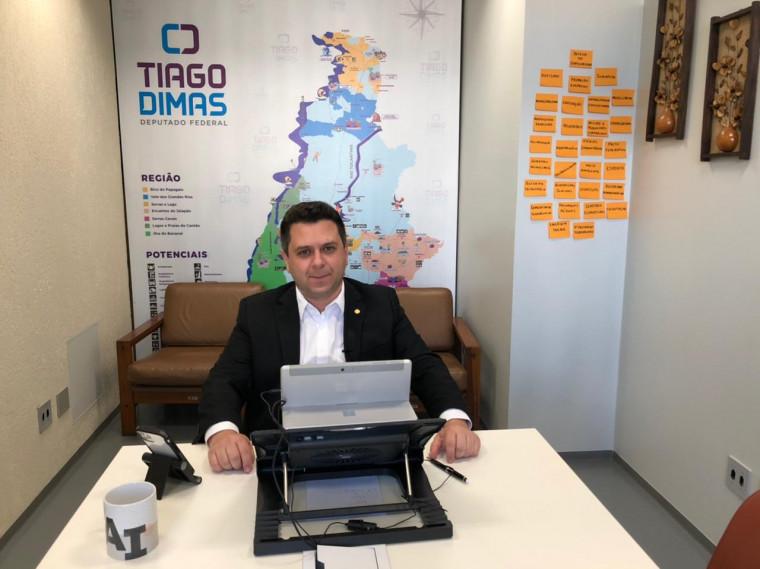 Emendas de Tiago Dimas vão beneficiar 13 cidades do Tocantins