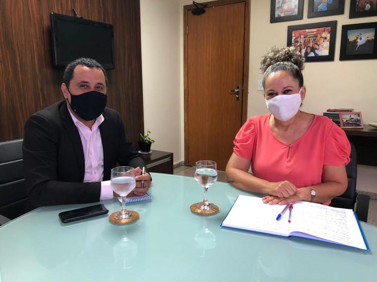 Prefeita de Gurupi levou a reivindicação ao Conselho Estadual de Educação (CEE)