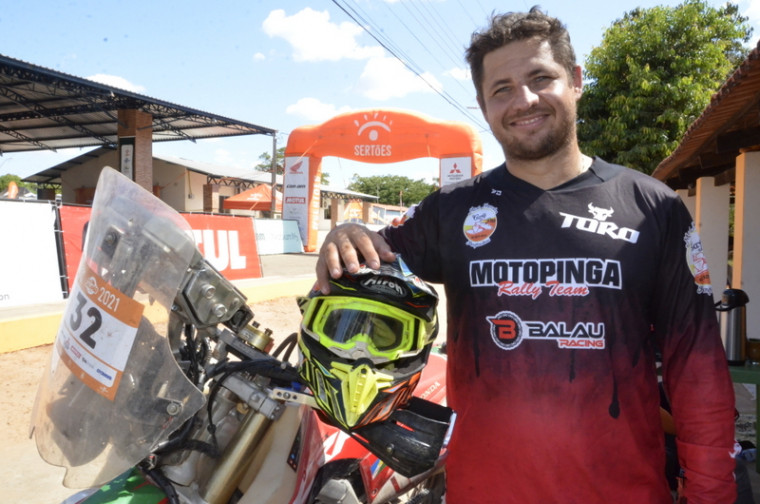 Bruno Padaria pode sagrar-se campeão logo em sua primeira participação no Rally dos Sertões
