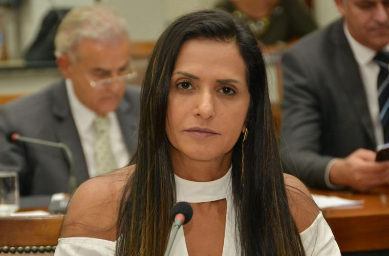Ex-deputada Solange Dualibe