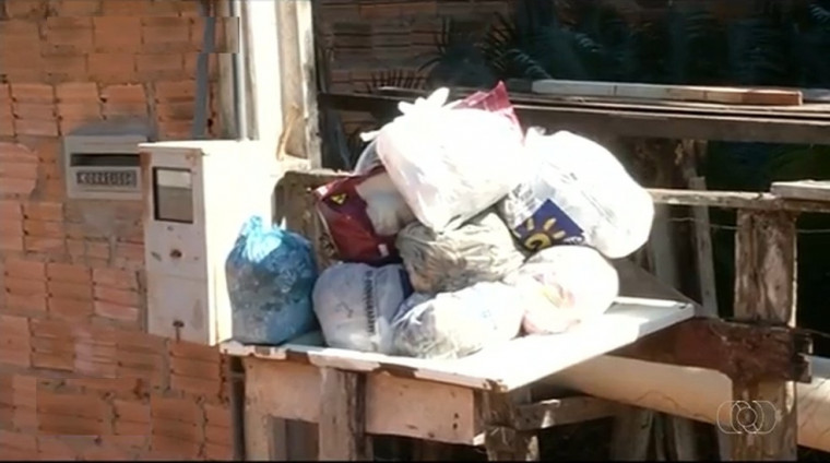 Lixo acumulado nas ruas de Gurupi