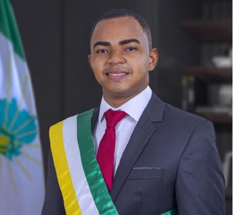 Mandados do prefeito Heno Rodrigues e o seu vice, Israel Borges, foram cassados pela Justilça Eleito