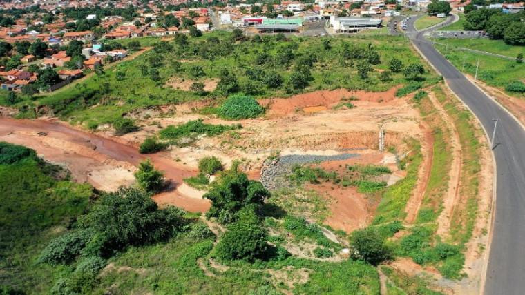 Local do antigo buracão próximo ao Detran