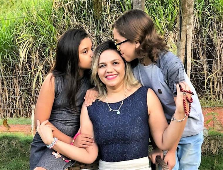 D'Ane Oliveira e os filhos