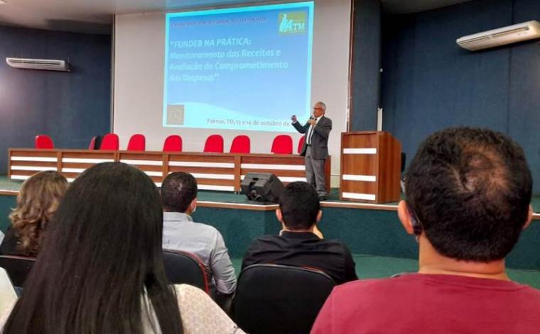 As palestras são realizadas com prefeitos e secretários de municípios do Tocantins