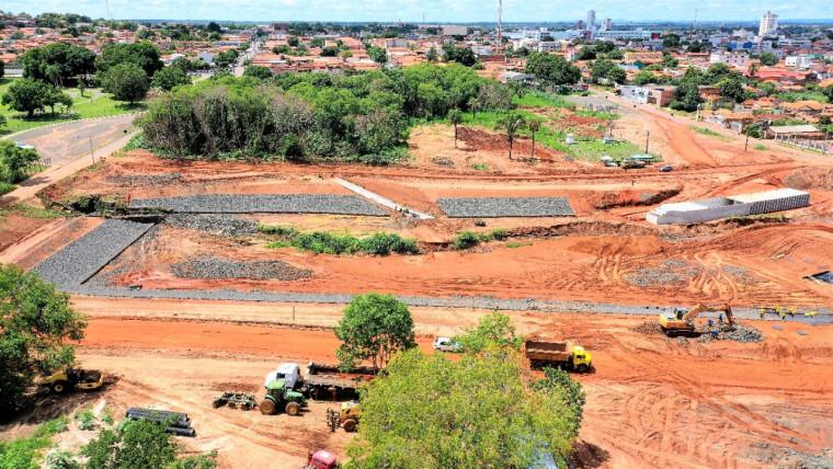 As obras da Via Norte fazem parte do Projeto de Saneamento Integrado Águas de Araguaína e foram iniciadas em julho deste ano