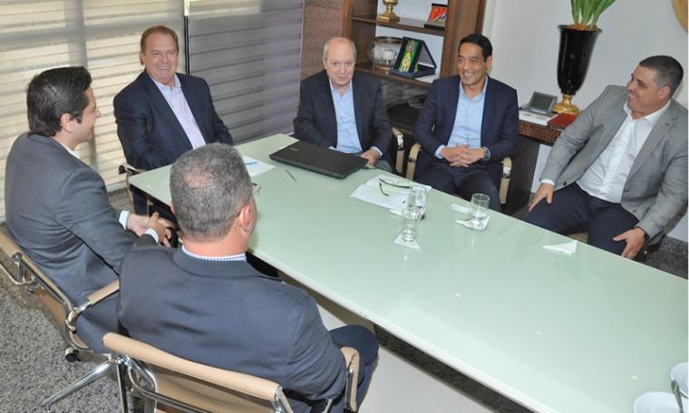 Governador sugeriu que a empresa instale no Tocantins um Centro de Distribuição de Medicamentos
