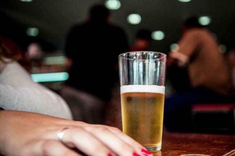 Consumo de bebida alcoólica após a aplicação é dúvida frequente