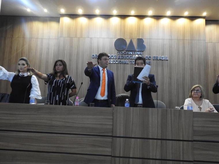 Gedeon Pitaluga faz juramento