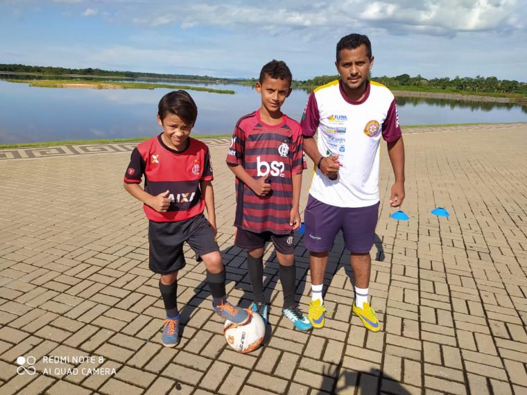 Lucas Henri, Vitor Costa e o treinador Geovani Carvalho