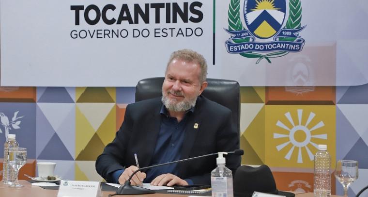 Governador Carlesse assina documento